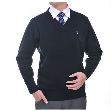 纯色V领毛衣