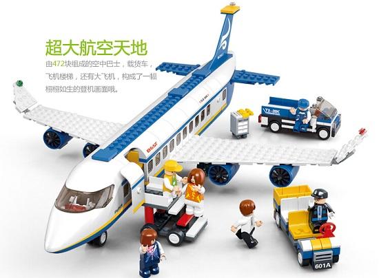 用积木建造的飞机模型