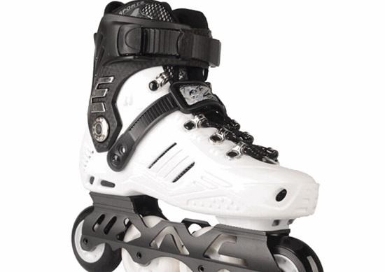 硬壳轮滑鞋