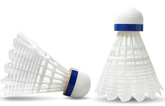 YY的尼龙羽毛球