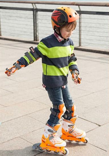 儿童轮滑运动