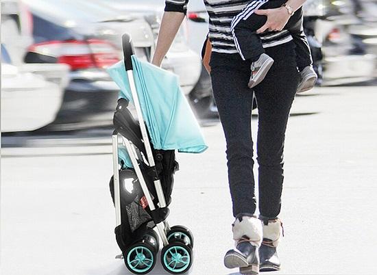 婴儿车的折叠功能