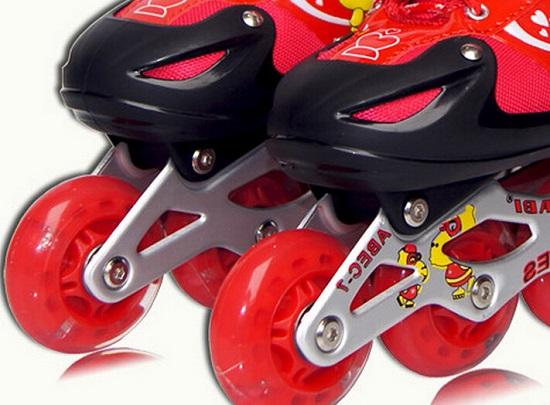 带闪光轮的儿童轮滑鞋好不好