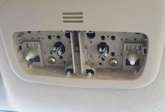 将行车记录仪接到阅读灯电路