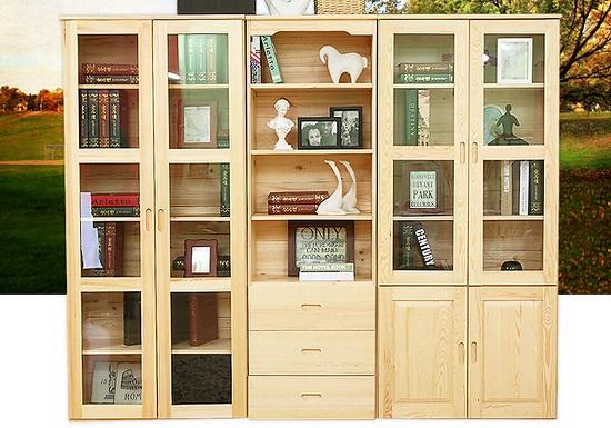 这类书柜多为木质结构,书格尺寸相对固定,书格深度相对较浅,有些书柜