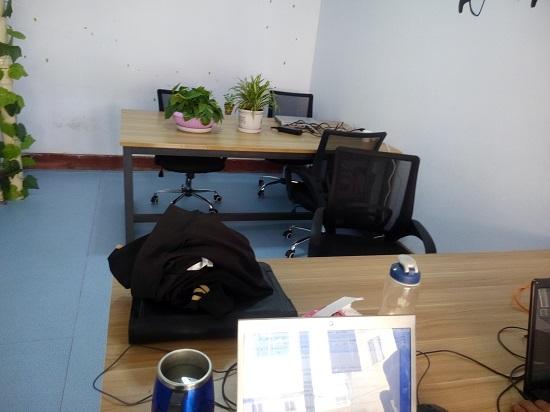 办公室整体布局