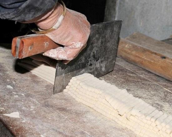 全自动面条机使用窍门之-防止粘连和断面