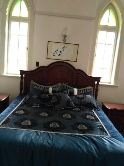 八大关花石楼蒋公用过的床