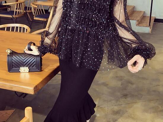 鱼尾裙搭配灯笼袖上衣图片