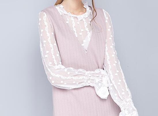 粉紫色连衣裙