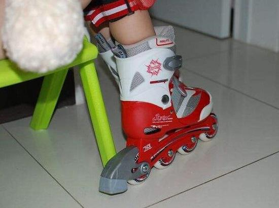 轮滑护具穿戴步骤