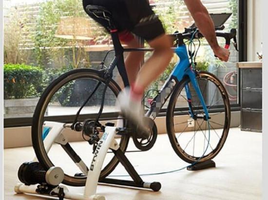 自行车骑行台锻炼