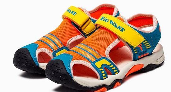如何选购儿童沙滩鞋