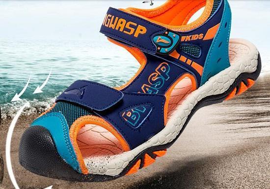 包头型儿童沙滩鞋