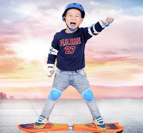 儿童两轮滑板(游龙板)