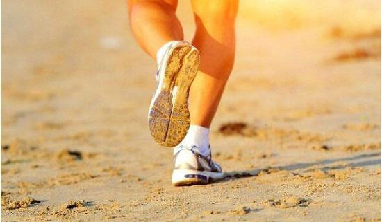 如何挑选跑步袜