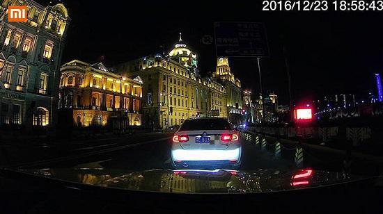 小米行车记录仪夜间摄录效果