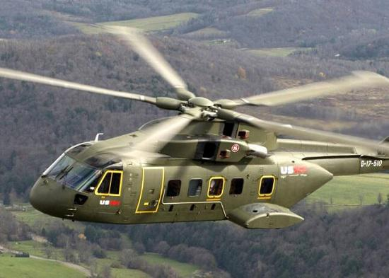 旋转的直升机螺旋桨