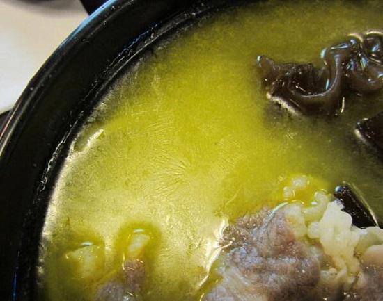 汤中的油膜