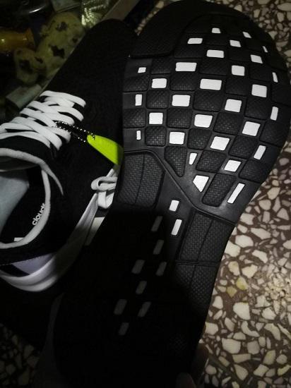 阿迪达斯的falcon elite 5 u跑步鞋