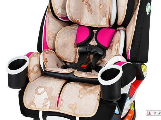 采用丝麻面料的儿童安全座椅
