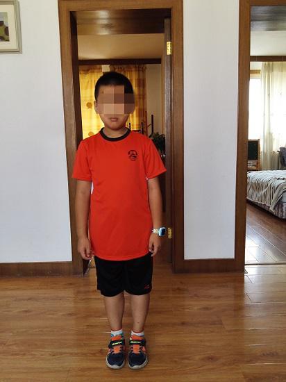 李宁儿童足球服穿着体验