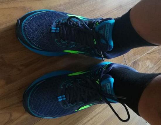 布鲁克斯跑步鞋