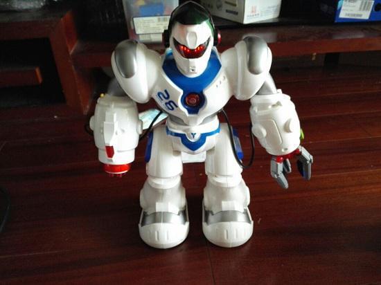 好玩的玩具机器人