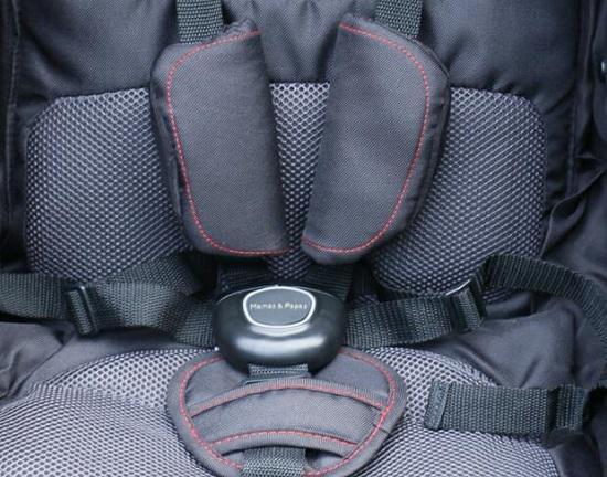 慢跑婴儿车的五点式安全带