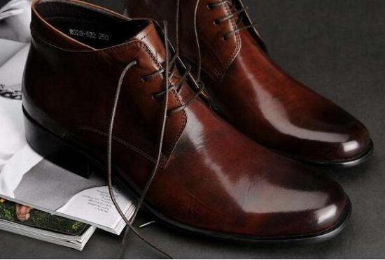 如何保养和存放皮鞋