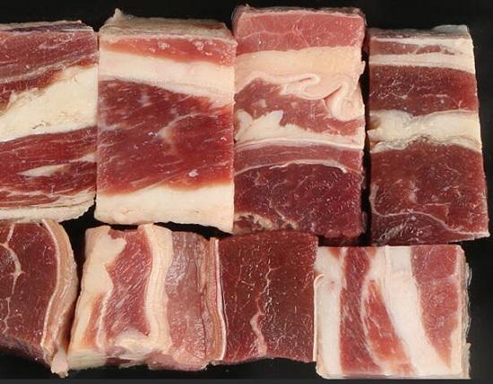 新鲜的肉块