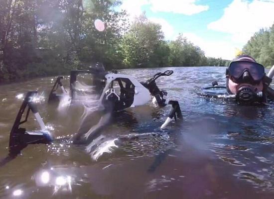 落水的无人机