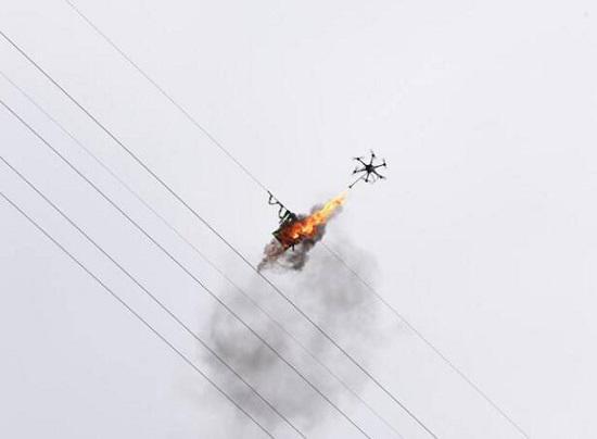 无人机与电线