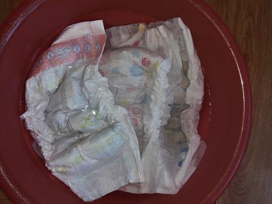 纸尿裤泡水