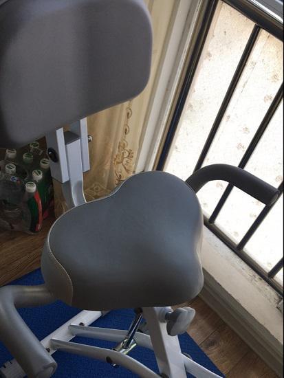 X型迷你动感单车的座椅和靠背