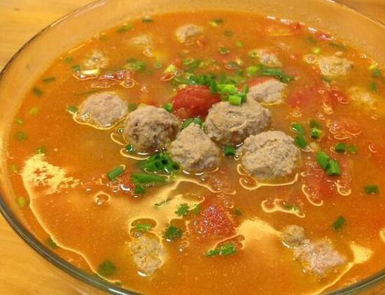 西红柿丸子汤
