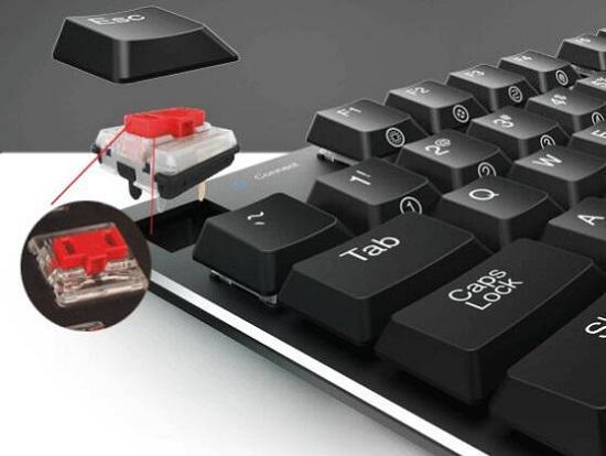 超薄型的机械键盘(依然有点厚)