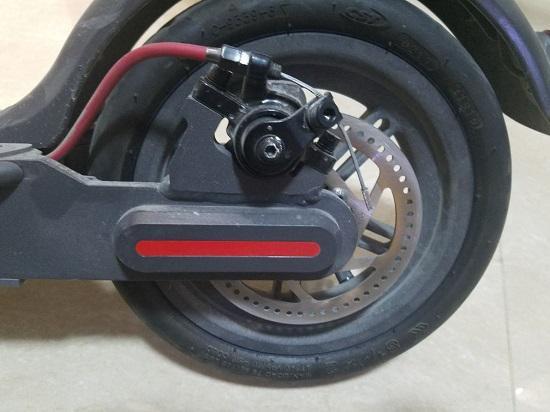 小米电动滑板车的后轮