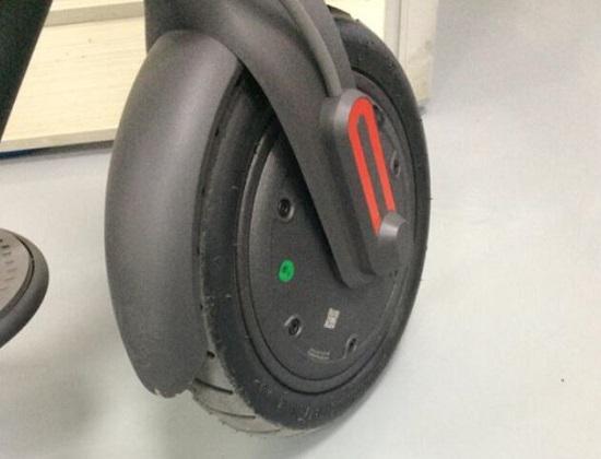 小米电动滑板车的前轮