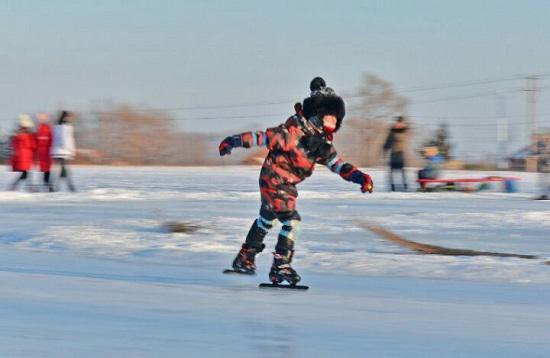 轮滑和滑冰学哪个好