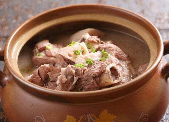 开水炖肉与冷水炖肉有何不同