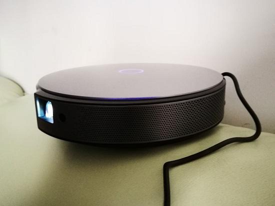 小巧的LED投影仪