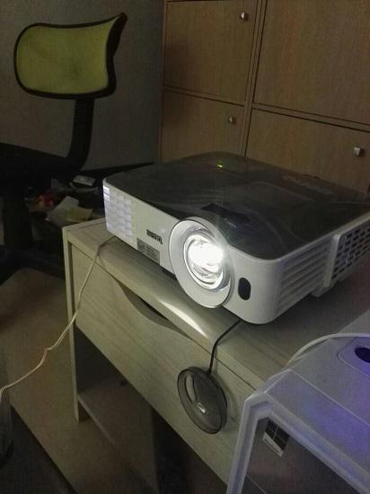 投影仪的亮度越高越好吗