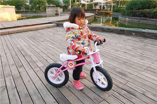 壹步(YIBOO)儿童滑步车初体验
