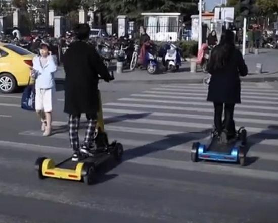 使用中的漫步车