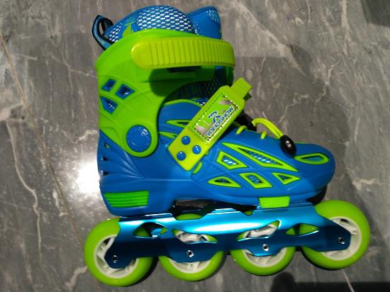 乐秀儿童轮滑鞋拆解报告