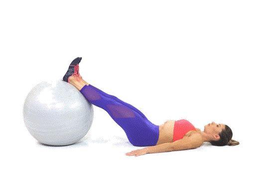 瑜伽球腘绳肌(大腿后侧)弯曲