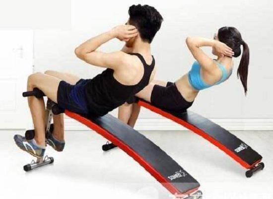 锻炼腰腹的健身器材有哪些