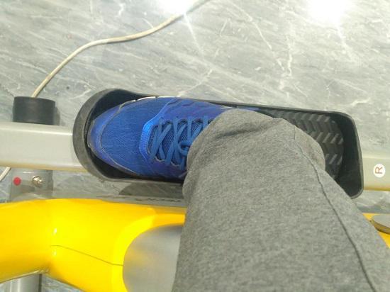 椭圆机的紧凑型踏板